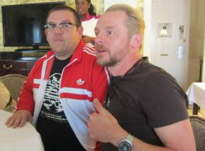 Simon Pegg and Nick Frost – Hoisting Some Pints at The World's End