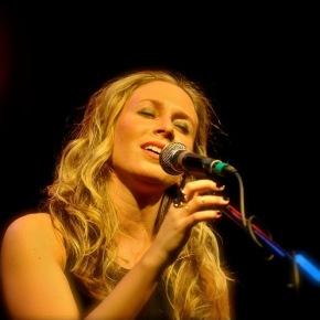 Toby Lightman – World Café Live – Philadelphia, PA – December 3, 2014 (A PopEntertainment.com ConcertReview)