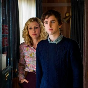 Vera Farmiga, Freddie Highmore, Carlton Cuse and Kerry Ehrin – Dark Days at Bates Motel