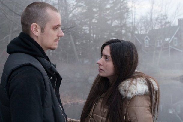 Joel Kinnaman and Genesis Rodriguez in Run All Night