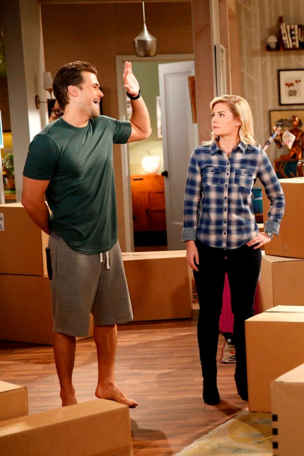 """ONE BIG HAPPY-- """"Out of the Closet"""" Episode 102 -- Pictured: (l-r) Nick Zano as Luke, Elisha Cuthbert as Lizzy -- (Photo by: Greg Gayne/NBC)"""