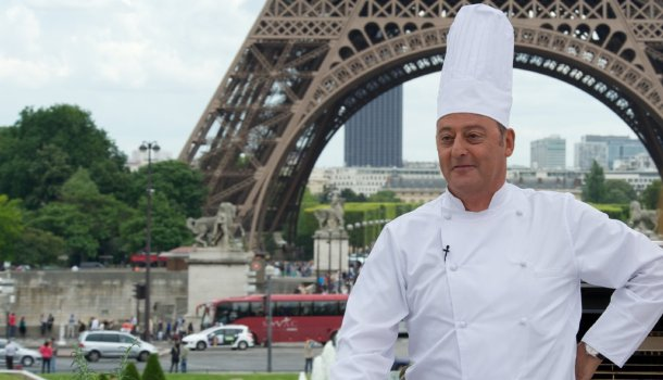 "Jean Reno in ""Le Chef."""