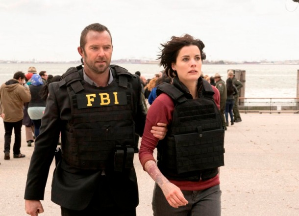 "BLINDSPOT -- ""Pilot"" --  Pictured: (l-r) Sullivan Stapleton as Kurt Weller, Jaimie Alexander as Jane Doe -- (Photo by: Virginia Sherwood/NBC)"