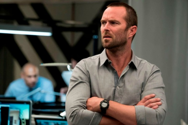 "BLINDSPOT -- ""A Stray Howl"" Episode 102 -- Pictured: Sullivan Stapleton as Kurt Weller -- (Photo by: Virginia Sherwood/NBC)"
