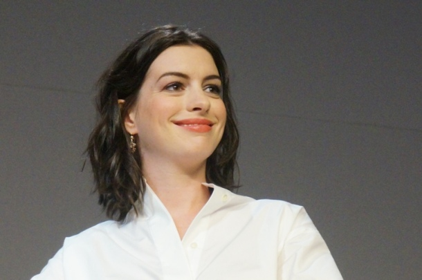 Anne Hathaway at the New York Press Day for THE INTERN.