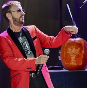 Ringo Starr and His All-Starr Band – Tower Theater – Upper  Darby, PA – October 30, 2015 (A PopEntertainment.com Concert Photo Gallery)