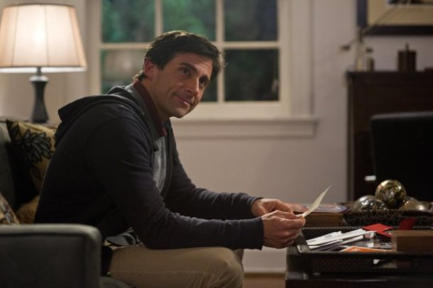Steve Carell and Keira Knightley star in SEEKING A FRIEND AT THE END OF THE WORLD.