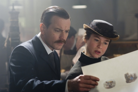 Ewan McGregor and Renee Zellweger star in MISS POTTER.