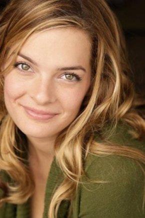 Nicole Steinwedell – Looks Back on TheUnit