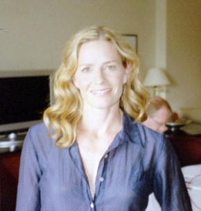 Elisabeth Shue – Just Being Herself