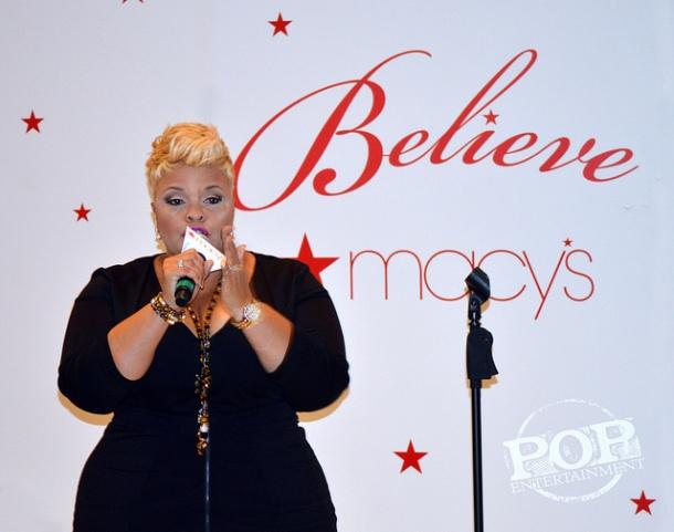 Tamela Mann performing at Macy's November 18, 2016.
