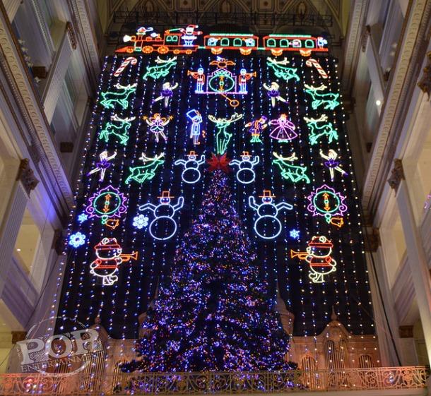 Macy's Center City Philadelphia Welcomes The Holidays