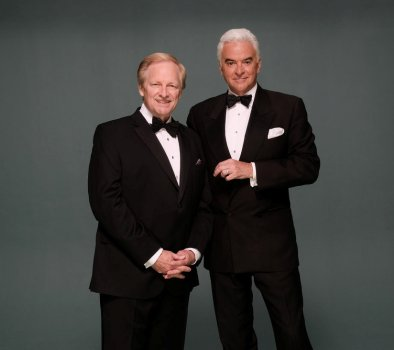 "THE NATIONAL DOG SHOW PRESENTED BY PURINA -- Pictured: ""The National Dog Show Presented by Purina"" 2016 (l-r) Hosts David Frei and John O'Hurley -- (Photo by: Chris Weeks/"