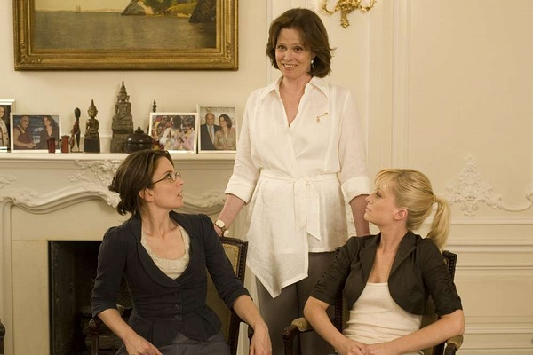 "Tina Fey, Sigourney Weaver and Amy Poehler in ""Baby Mama."""
