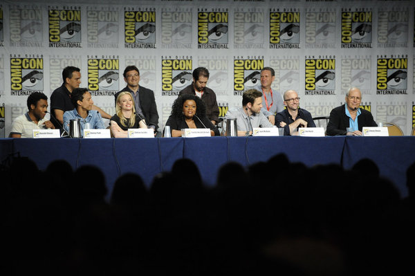 COMIC-CON -- Pictured: (L-R Front Row) Donald Glover, Danny Pudi, Gillian Jacobs, Yvette Nicole Brown, Joel McHale, Jim Rash, Chevy Chase -- Photo by: Phil McCarten/NBC