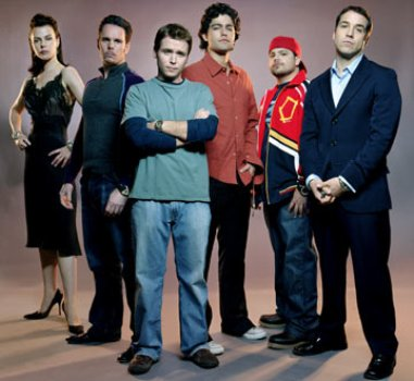 "Debi Mazar, Kevin Dillon, Kevin Connolly, Adrian Grenier, Jerry Ferrara and Jeremy Piven in ""Entourage."""