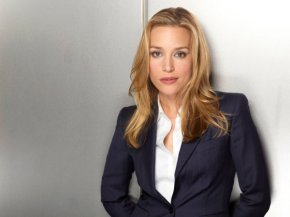 Piper Perabo – Life Is a Covert Affair