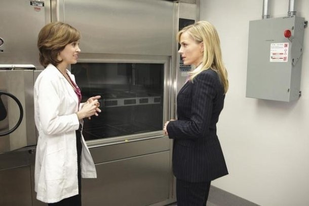 "Autumn Reeser and Julie Benz in ""No Ordinary Family."""