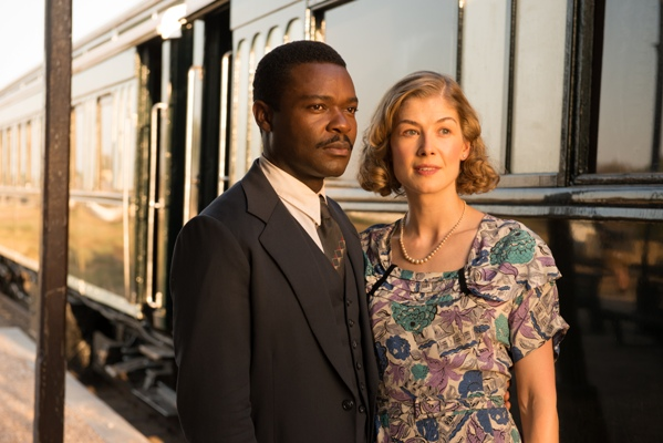 "David Oyelowo as ""Seretse Khama"" and Rosamund Pike as ""Ruth Williams"" in the film A UNITED KINGDOM. Photo by  Stanislav Honzik. © 2017 Twentieth Century Fox Film Corporation All Rights Reserved"