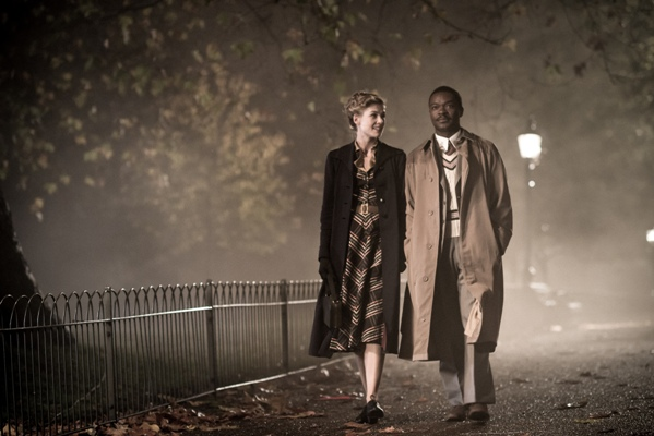 "Rosamund Pike as ""Ruth Williams"" and David Oyelowo as ""Seretse Khama"" in the film A UNITED KINGDOM. Photo by  Stanislav Honzik. © 2017 Twentieth Century Fox Film Corporation All Rights Reserved"