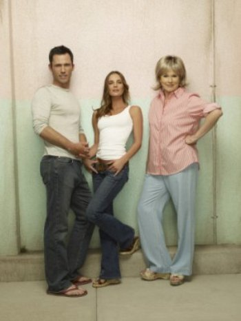 "Jeffrey Donovan, Gabrielle Anwar and Sharon Gless in ""Burn Notice."""