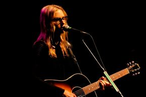 Aimee Mann – Keswick Theater – Glenside, PA – April 21, 2017 (A PopEntertainment.com Concert Photo Album)