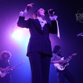Muna, Grace Mitchell & Huxlee – The Fonda Theatre – Los Angeles, CA – October 17, 2017 (A PopEntertainment.com Movie Review)