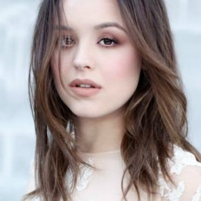 Hayley Orrantia – The Goldbergs Actress Likes Her Music Like She Likes Her Tea
