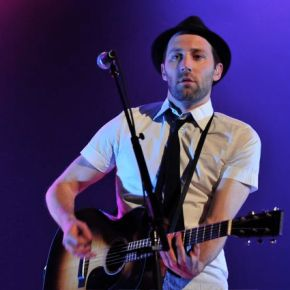 Mat Kearney Lays It Out in Black and White